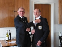Jerry Knight recieving his Gold pin