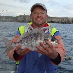 matt-osborne-winner-of-english-species-2015-with-his-last-bream-of-the-day